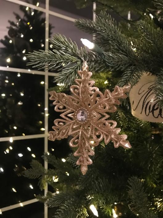 Close up ornaments fallbreeze.net